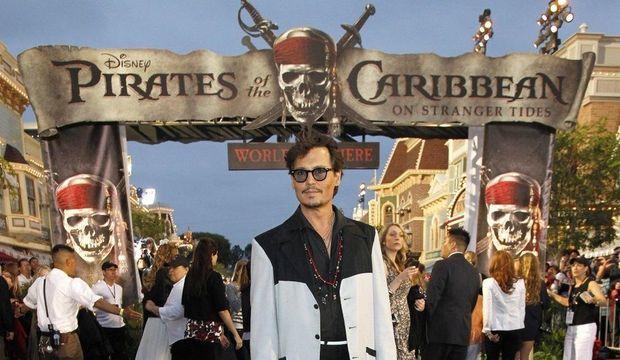 Avant-premiere-de-Pirates-des-Caraibes-Jonhy-Depp_galleryphoto_paysage_std-