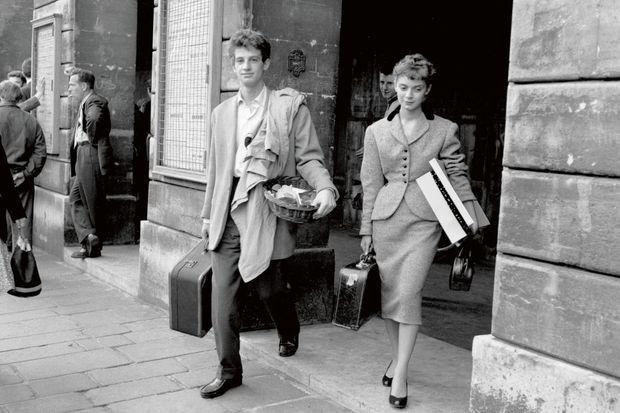 Avec Annie Fargue, sa camarade de classe au Conservatoire, en 1953. Son rêve est alors d'entrer à la Comédie-Française, où il sera reçu « stagiaire ».