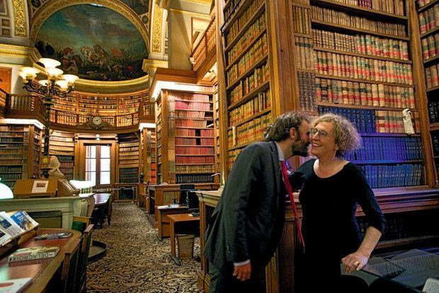 Avec Antoine Foucher, son directeur de cabinet, dans la bibliothèque du Palais-Bourbon.