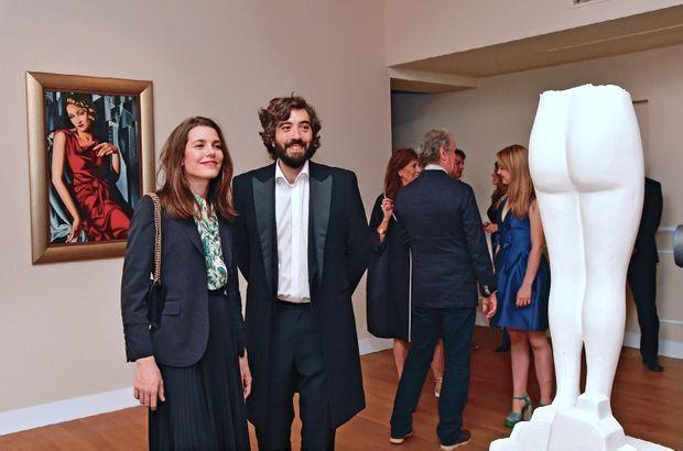 Avec Cristiano Raimondi, le commissaire de l'exposition « Dietrich Vezzoli in Villa Marlene », à la Villa Sauber, à Monaco, le 30 avril 2016.