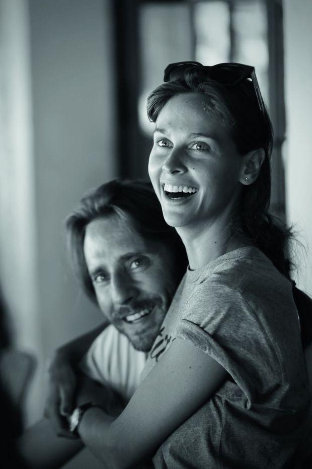 Avec Mathieu Vergne, son futur mari.