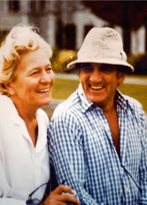 Avec Odette, qu'il appelait affectueusement «Mouke » ou «ma grosse boule », en Irlande en 1985, deux ans avant la mort de Lino.