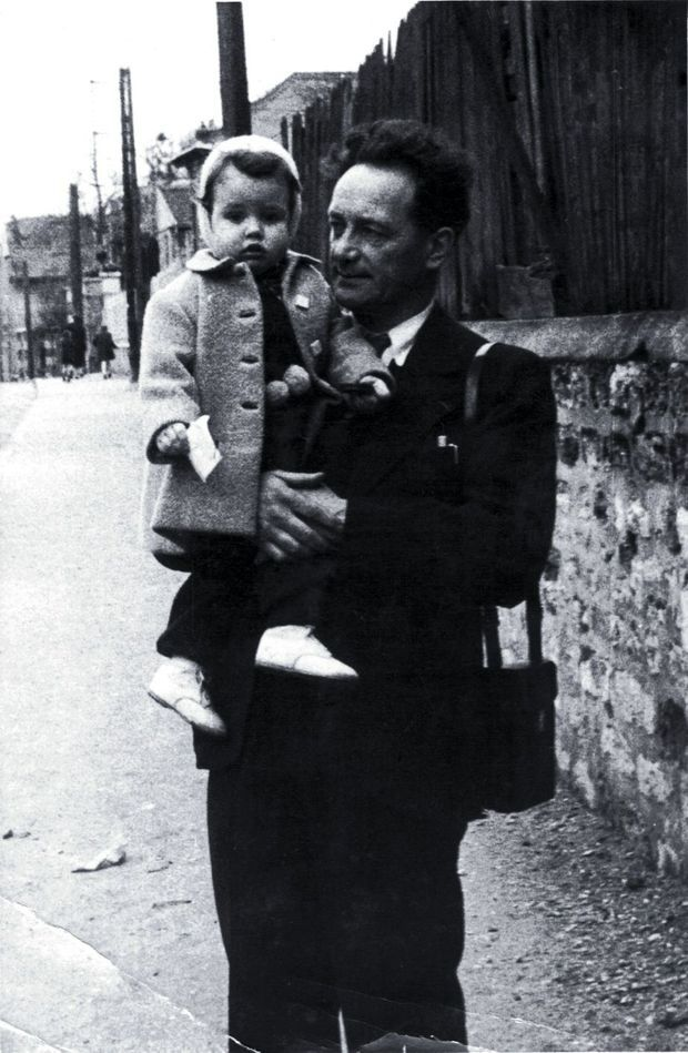 Avec son grand-père adoré, l'ingénieur et musicien André Jarre, au début des années 1950.