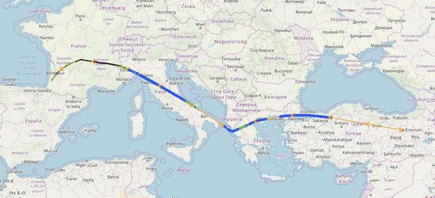 Le trajet de l'avion iranien qui a atterri à Biarritz dimanche. Le premier relevé publié dans la base de données des amateurs d'aviation montre l'avion repéré au dessus de la Turquie.