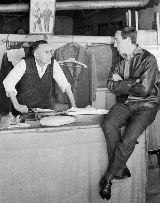 « Le vieux tailleur lui dit : 'Je vous reconnais. Vous étiez un gosse du quartier' » (Paris Match n°596, daté du 10 septembre 1960)
