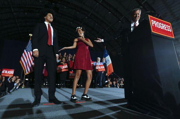 Dante, Chiara et Bill le 6 novembre lors de la fête de sa victoire.