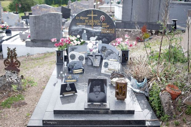 La sépulture de Bernard Laroche.
