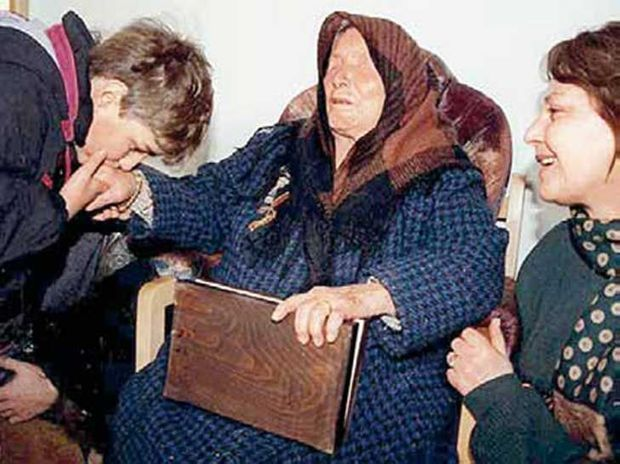 A la fin des années 89, Baba Vanga est considérée comme une sainte.