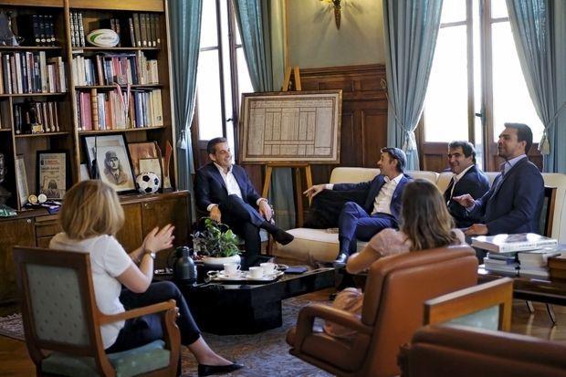 Le 25 mai, à la mairie de Troyes, entre Nicolas Sarkozy et Christian Jacob. Officiellement, l'ancien président est venu assister au match Troyes-Lorient.