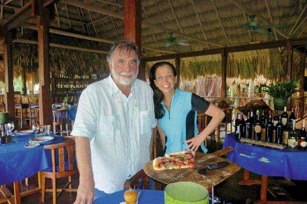 Francis Ford Coppola avec une cliente.
