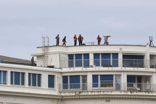 Sur les toits du Bellevue, le centre des congrès de Biarritz, le 20 août. L'endroit doit accueillir certaines rencontres officielles du G7.