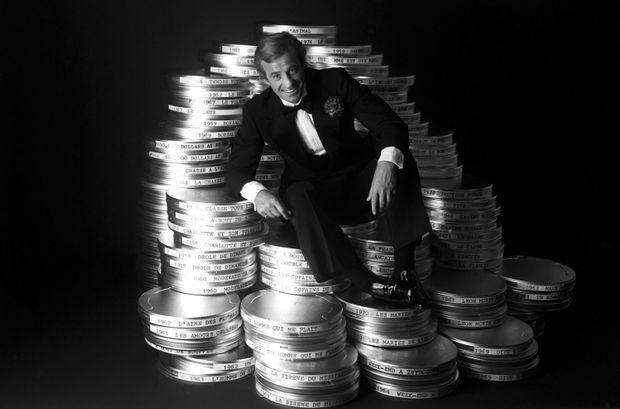 Jean-Paul Belmondo pose pour Match en 1977. Avec la sortie de « L'animal », la bête de l'écran boucle ses 20 ans de carrière et son soixantième film.
