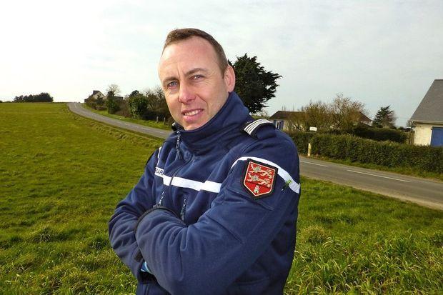 Chef d'escadron de la compagnie de gendarmerie d'Avranches (Manche). « Arnaud était très humain, très altruiste », se souvient un collègue.