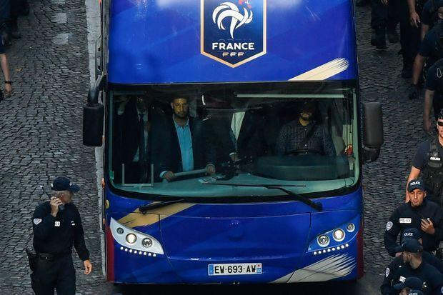 Le bus de l'équipe de France