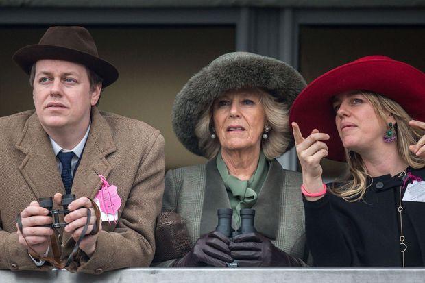 La duchesse de Cornouailles Camilla et ses deux enfants, Tom et Laura, le 11 mars 2015