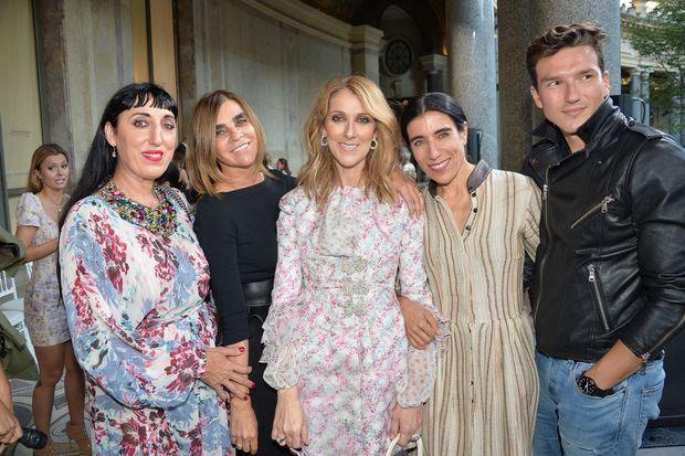 Céline Dion et Pepe Munoz au défilé Giambattista Valli à Paris, le 3 juillet 2017.