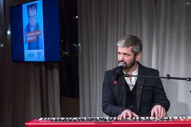 Grégoire a interprété trois chansons en hommage à Noé, le 13 février 2018 à Paris