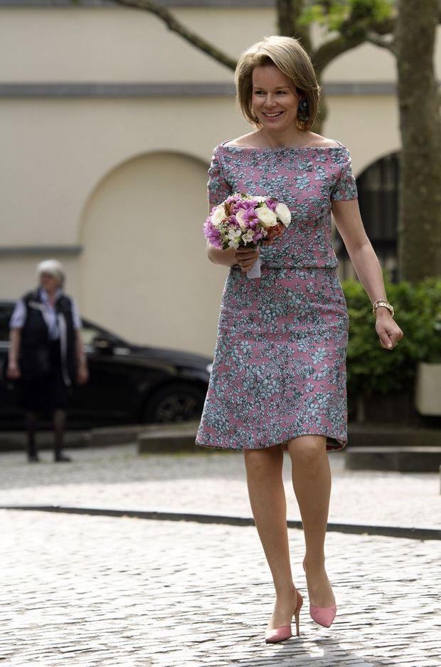 La reine Mathilde de Belgique, dans un ensemble Natan, à Bruxelles le 16 mai 2018