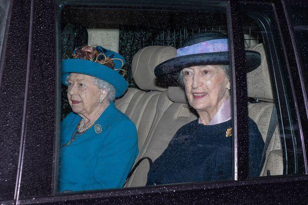 La reine Elizabeth II se rendant à la Crathie Kirk, près de Balmoral, le 28 juillet 2019