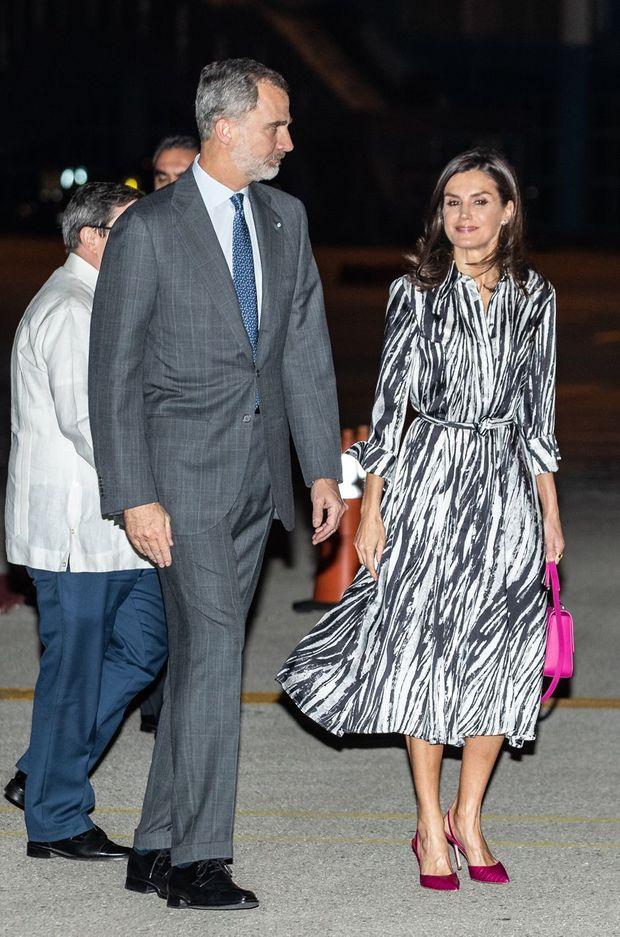 La reine Letizia et le roi Felipe VI d'Espagne à l'aéroport de La Havane, le 11 novembre 2019