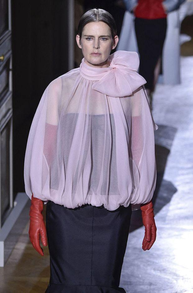 Stella Tennant lors du défilé Haute-Couture Valentino à Paris en janvier 2020