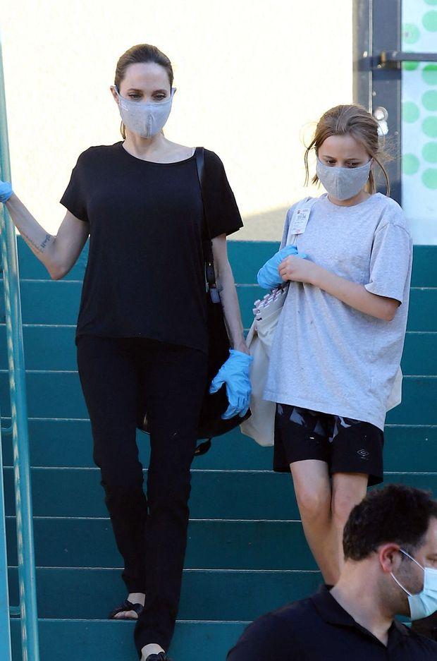 Angelina Jolie avec sa fille Vivienne à Los Angeles le 15 juillet 2020
