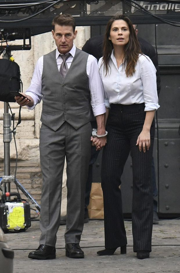 "Tom Cruise et Hayley Atwell sur le tournage de ""Mission Impossible 7"" en novembre 2020 à Rome"