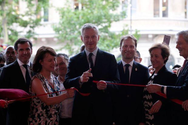 Bruno Le Maire, lors de l'inauguration dans les grands magasins parisiens des soldes d'été mercredi matin.