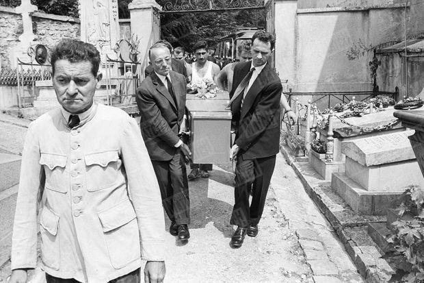 L'enterrement de Boris Vian au cimetière de Ville d'Avray, le 26 juin 1959.