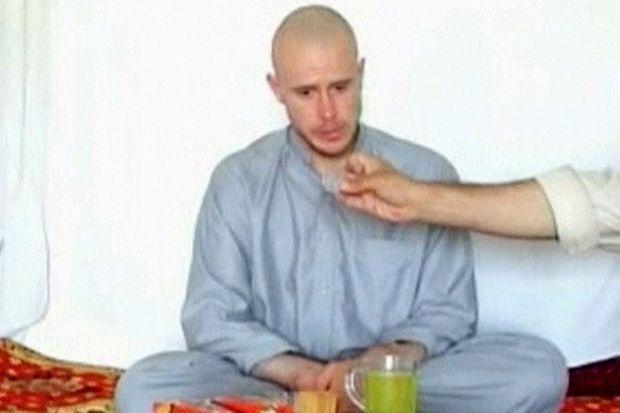 Capture d'écran d'une vidéo envoyée par les taliban quelques semaines après la capture de Bowe Bergdahl.