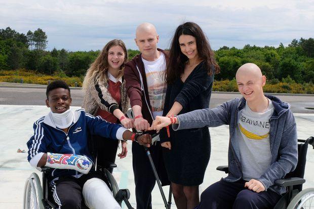 Azize Diabaté Abdoulaye (Medhi), Esther Valding (Sarah), Audran Cattin (Thomas), Louna Espinosa (Roxanne) et Tom Rivoire (Clément).