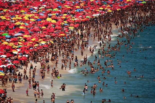 Plage d'Ipanema à Rio de Janeiro (Brésil)
