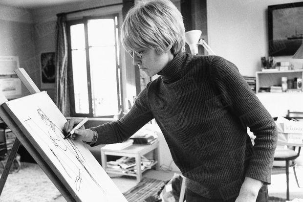 Claire Bretécher chez elle en janvier 1976.