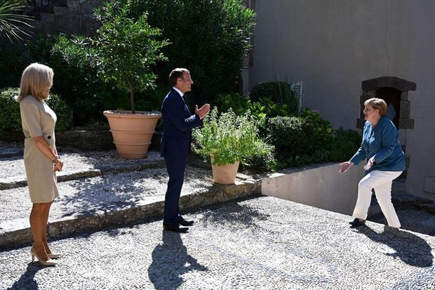 Brigitte et Emmanuel Macron accueillent la chancelière allemande Angela Merkel au Fort de Brégançon, à Bormes-les-Mimosas, le 20 août 2020