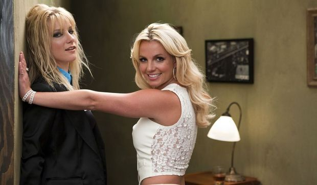 Britney Spears et Heather Morris dans Glee-