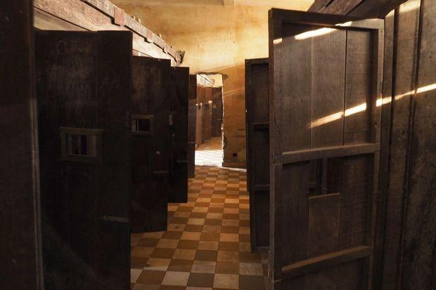 Les cellules de l'ancienne prison S-21, à Phnom Penh. La bâtisse abrite aujourd'hui le Musée du génocide Tuol Sleng.
