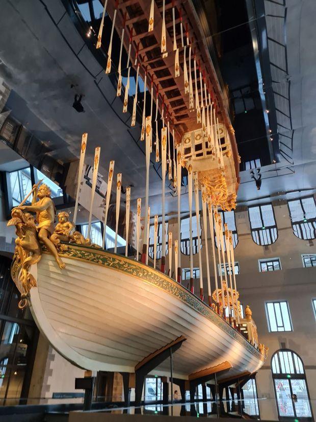 Vue du Canot de l'Empereur place des machines aux Ateliers des Capucins à Brest