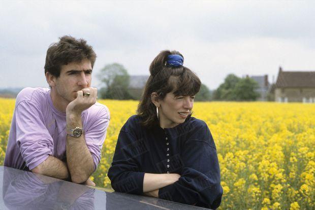 """""""C'est à Auxerre qu'Eric Cantona rencontre Isabelle Ferrer, une jeune étudiante qui deviendra sa femme. C'est par son intermédiaire que 'Canto', footballeur depuis ses quinze ans, découvre le monde intellectuel."""" - Paris Match n°2073, 16 février 1989."""