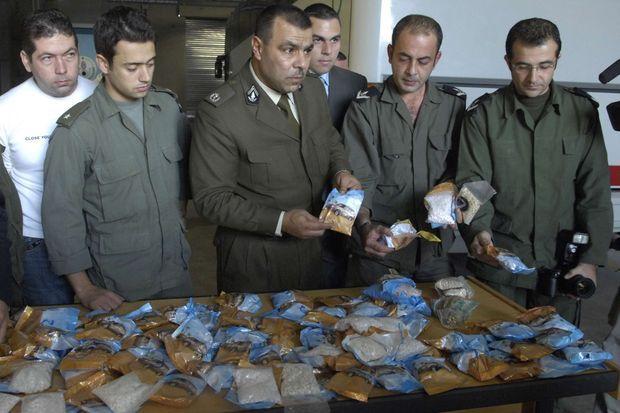 Les douanes libanaises exposent en 2007 une saisie de deux millions de cachets de captagon.