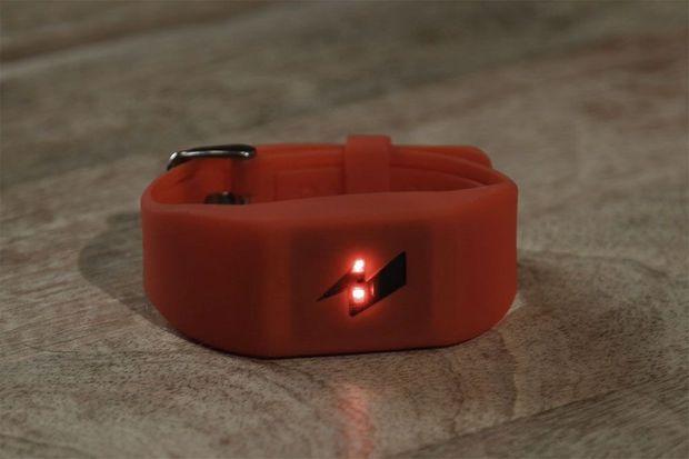 Le bracelet du constructeur Pavlok.