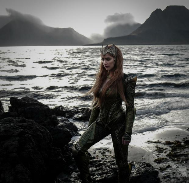 """Amber Heard sera Mera dans """"Justice League""""."""