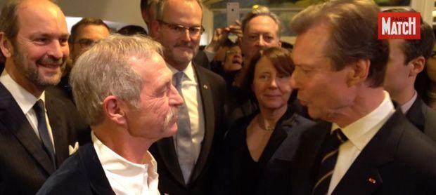 José Bové, Luxembourgeois par son père, en pleine discussion avec le grand-duc Henri.