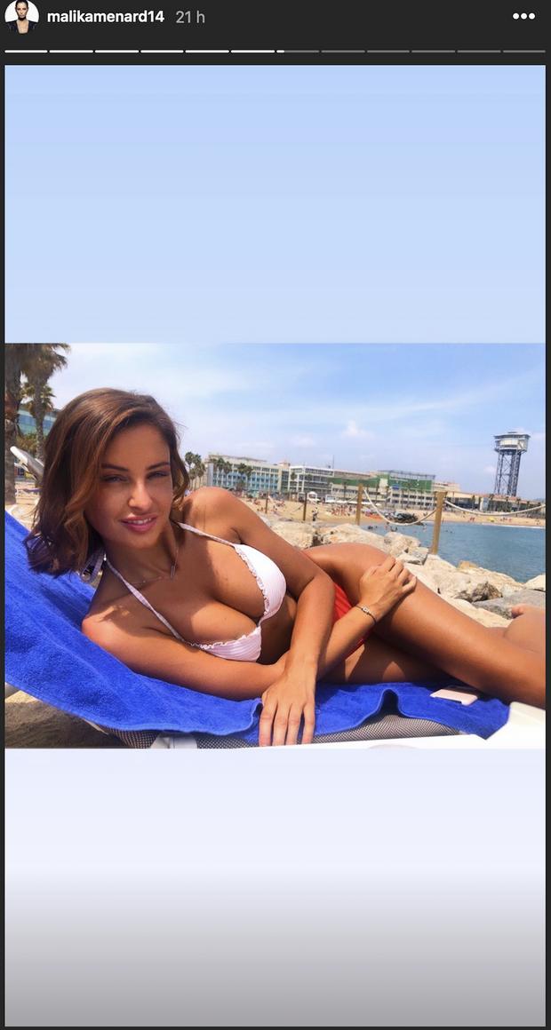 Malika Ménard lors de ses vacances à Barcelone le 7 août 2019