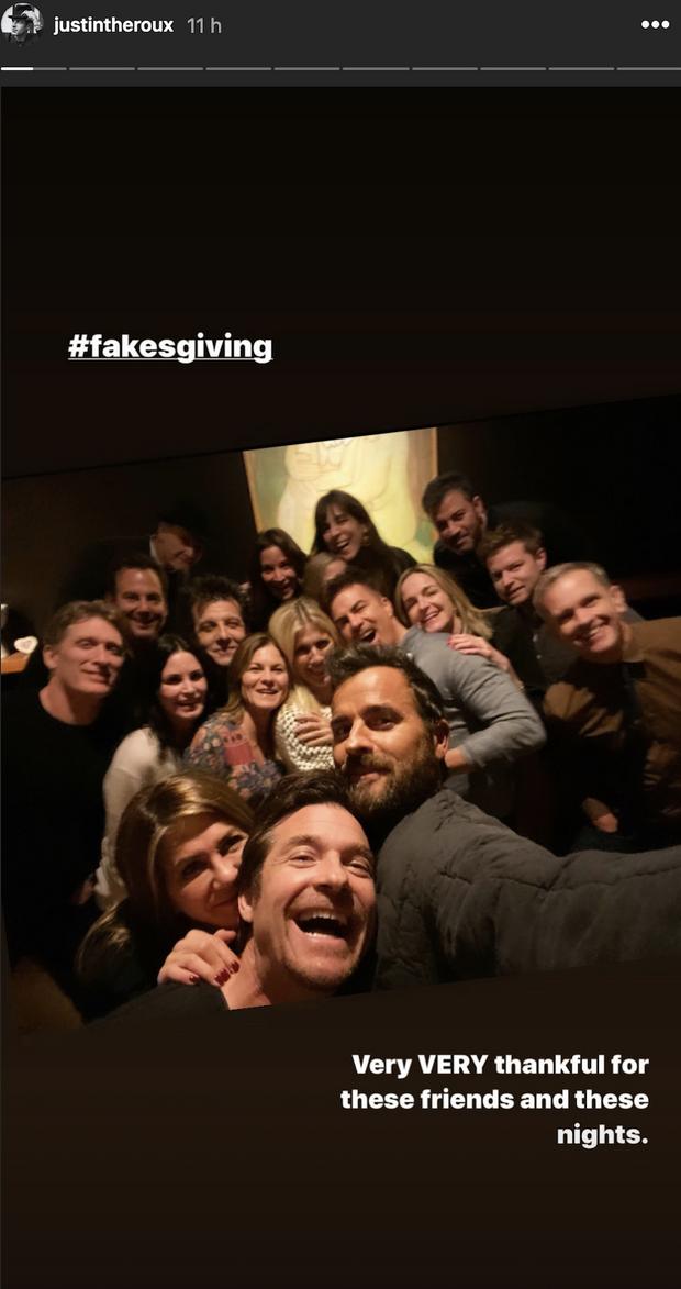 Jennifer Aniston et Justin Theroux réunis avec leurs amis pour Thanksgiving le 28 novembre 2019