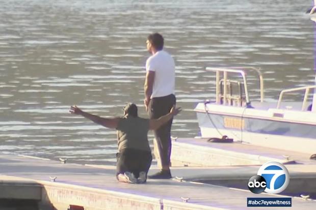 La mère de Naya Rivera et son fils, au bord du lac Piru.