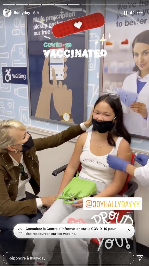 Joy Hallyday se fait vacciner contre le coronavirus le 18 mai 2021
