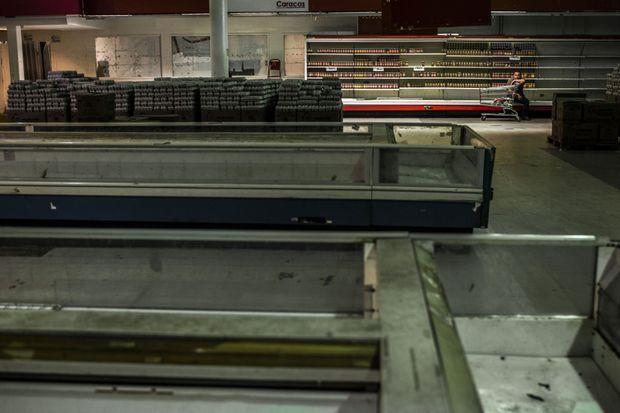 Les rayons des supermarchés vénézuéliens sont vides.
