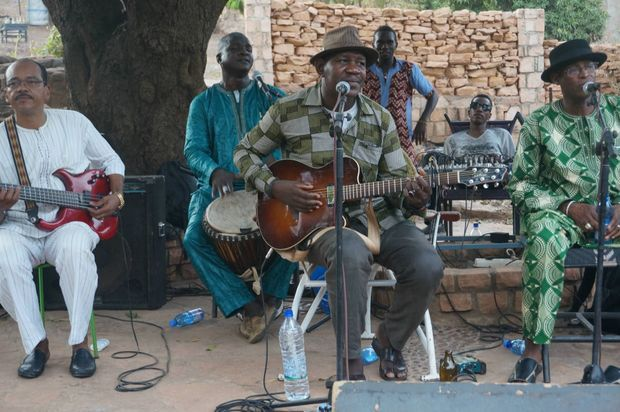Le groupe Ali Farka Touré Band à Bamako, le 29 avril 2017