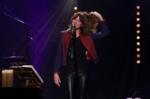 Carla Bruni sur la scène du Trianon à Paris.