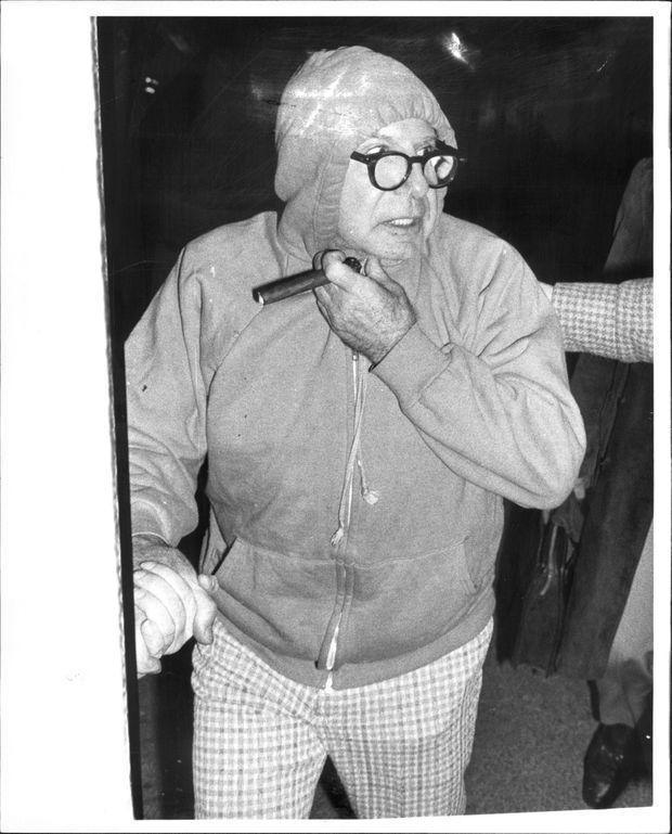 Carmine Galante, cigare à la main, lors de sa libération conditionnelle en février 1979.